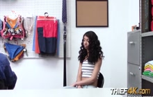 Curly brunette Jada Doll opens her mouth enough